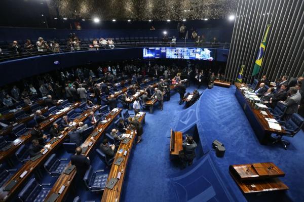 Senado aprova indicação de Alexandre de Moraes ao STF