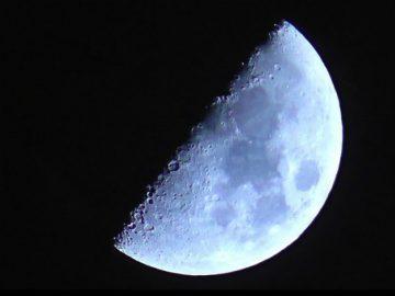 Brasil planeja lançar primeira missão à Lua até 2020