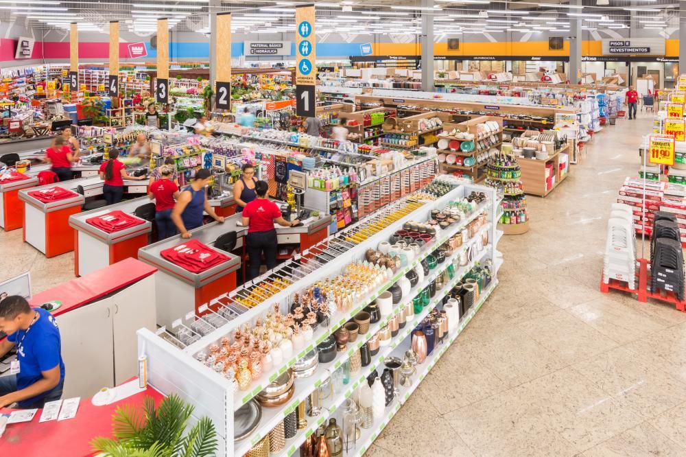 Funcionamento de lojas de materiais de construção possibilita reformas emergenciais