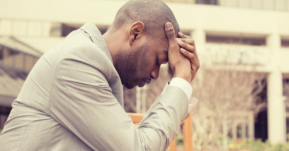 5 versículos sobre medo e ansiedade para nos lembrar que Deus está no controle